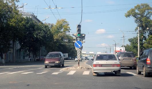 Фотофакт: на улице Удмуртской в Ижевске снесли отбойники
