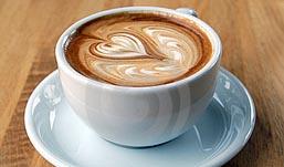 Диетологи выяснили, что кофе с молоком – причина ожирения