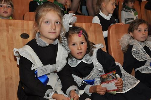 Первоклассникам Удмуртии устроили праздник в цирке