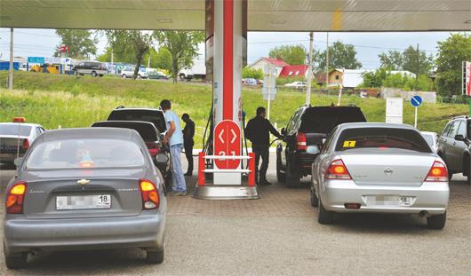 Бензин подорожает на 4 рубля, а водка – на 24