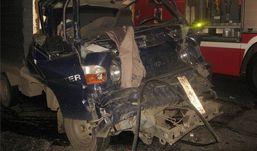 Водитель погиб, протаранив прицеп КамАЗа в Удмуртии