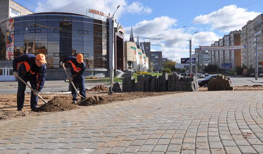 Более 100 тысяч плиток брусчатки будет уложено на одном из дорожных «колец» Ижевска