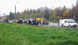 Микроавтобус и две легковушки столкнулись в Ижевске
