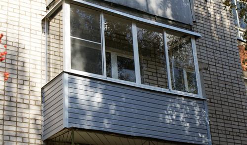 Пьяная мать из Ижевска выронила ребенка из окна пятого этажа