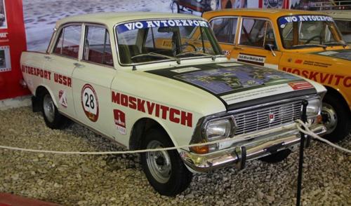 Раритетные автомобили покажут на Центральной площади Ижевска
