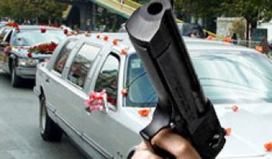 Cтрелявшему на свадьбе в центре Москвы дали 15 суток
