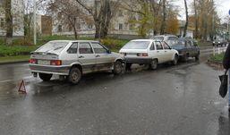 Три машины столкнулись на Авангардной в Ижевске