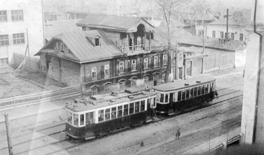 Улица Карла Маркса: Красная площадь, мама Ленина и первый трамвай