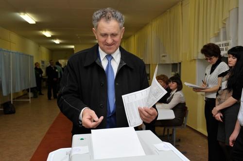 Фотофакт: Александр Волков проголосовал на выборах в Госсовет Удмуртии