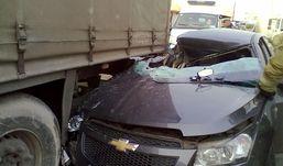 Иномарка влетела под фуру в Ижевске