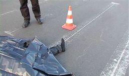 На трассе в Удмуртии неизвестный сбил насмерть мужчину и скрылся