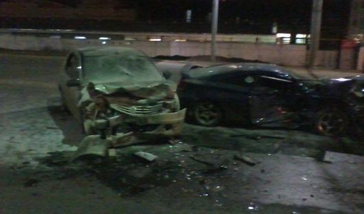 ДТП в Ижевске: из-за ямы на дороге столкнулись «логан» и «тойота»