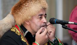 Рябина- FEST: гости Ижевска спели шаманский рок и исполнили венгерские танцы