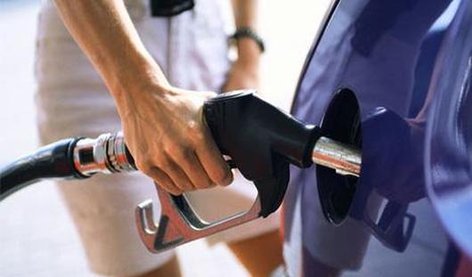 На городской заправке изъяли поддельный бензин