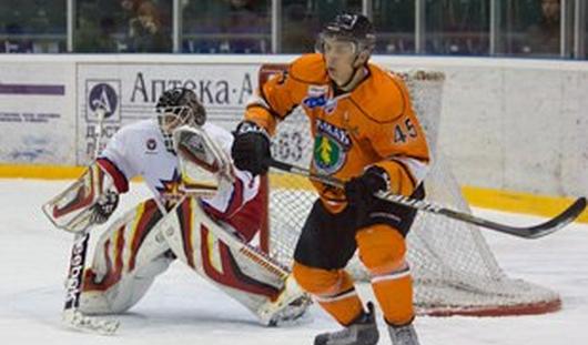 Ижевские хоккеисты проиграли ангарскому «Ермаку» со счётом 1:4