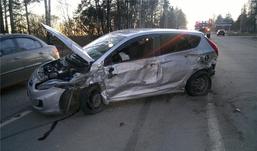 Три автомобиля столкнулись в Ижевске