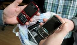 В Удмуртии школьники украли 4 мобильных телефона и деньги.