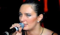 Певица Елена Ваенга отсудила 100 тысяч рублей у журнала, назвавшего её вампиром