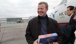 Житель Ижевска стал юбилейным пассажиром рейса до Нижнекамска