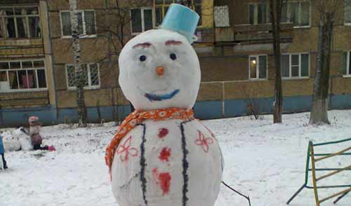Фотофакт: первый снеговик ижевской зимы