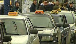 Ижевчане смогут пожаловаться в профсоюз на работу водителей такси