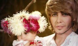 Эпатажный стилист Сергей Зверев показал миру свою дочку