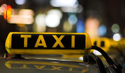 Угнанный пассажирами автомобиль таксисты Ижевска искали 3 часа