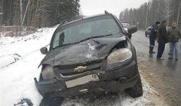 Авария в Ижевске: «Шевроле Нива» врезалась в «ВАЗ»