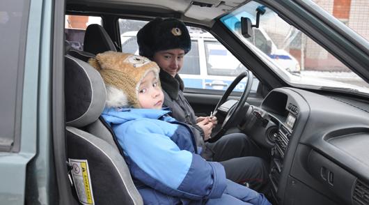 Фотофакт: «Мама рулит по Правилам!» - сотрудницы полиции Ижевска стали участницами автопробега