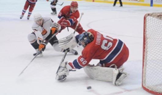 Ижевские хоккеисты обыграли пермскую команду «Молот-Прикамье» со счётом 3:0