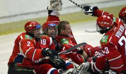 Cпортсмены из Удмуртии завоевали золото на чемпионате мира по следж–хоккею
