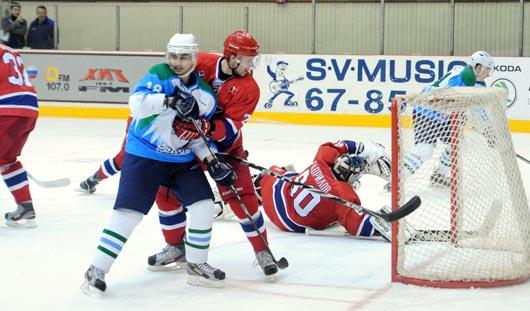 Хоккеисты из Нефтекамска «всухую» разгромили «Ижсталь»
