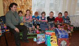 Новогодние подарки для детей-сирот соберут всем Ижевском
