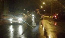 Вооруженный пистолетом мужчина разгуливал по Ижевску, пугая водителей