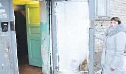 В Ижевске подвал дома затопило кипятком