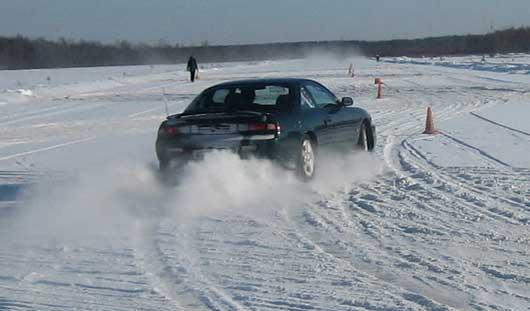 Лучшие гонщики сразятся в мастерстве экстремального вождения авто в Ижевске