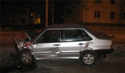 Ночное ДТП в Ижевске: два ВАЗа столкнулись в лобовую
