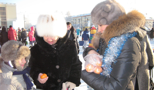 «Отряд Снегурочек Особого Назначения» прошелся по Ижевску