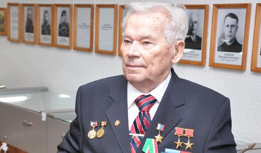 Легендарный конструктор-оружейник Калашников попал в Ижевске в реанимацию