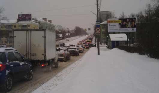 Вечерний Ижевск снова стоит в пробках: на дорогах много аварий