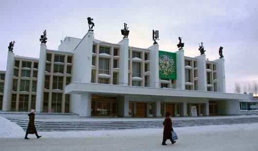 Ижевчане голосуют «за» или «против» переименования Центральной площади