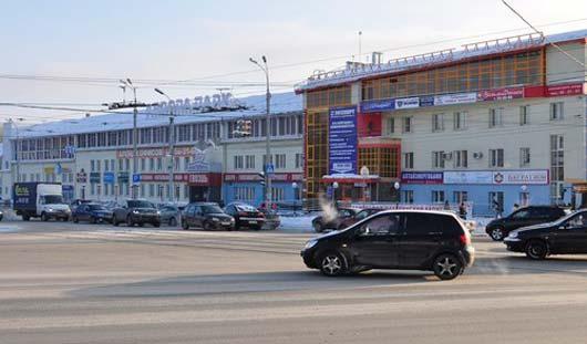 Авария у ТЦ «Гвоздь» вызвала хаос на перекрестке Удмуртская-Кирова в Ижевске