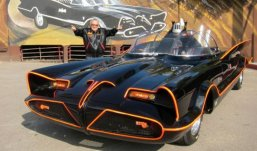 Легендарный автомобиль Бэтмена в США продали за 4,5 млн долларов