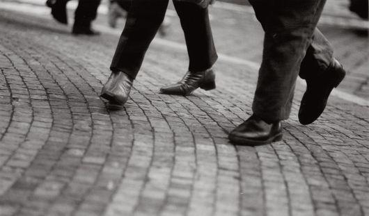 Российским должникам предложат ходить пешком