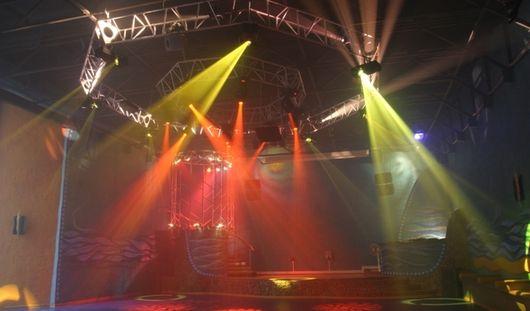Больше 200 человек погибли при пожаре в ночном клубе в Бразилии