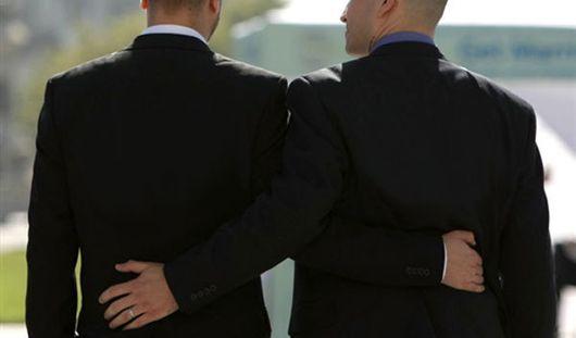 Великобритания вслед за Францией решила  узаконить однополые браки