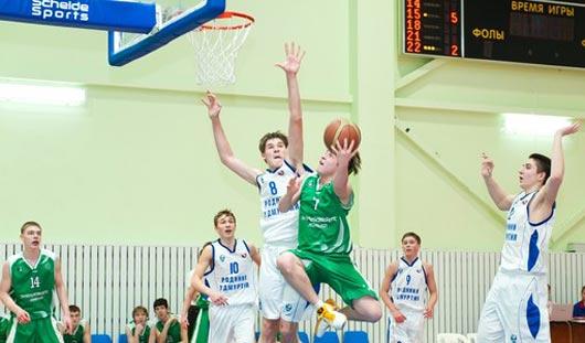 Команда Удмуртии по баскетболу вышла в четвертьфинал