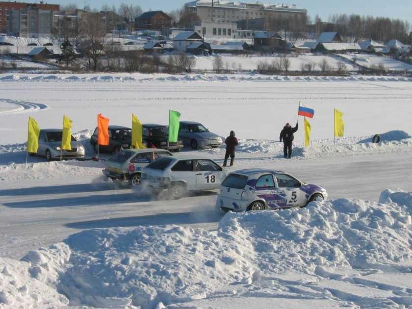 Ижевчане заняли весь пьедестал зимних трековых автогонок в Удмуртии