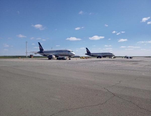 Пассажиров самолета «Сухой Суперджет» в Ижевске сняли с рейса перед самым вылетом
